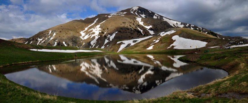 Hiking & Alpine Lake hopping in Northern Greece